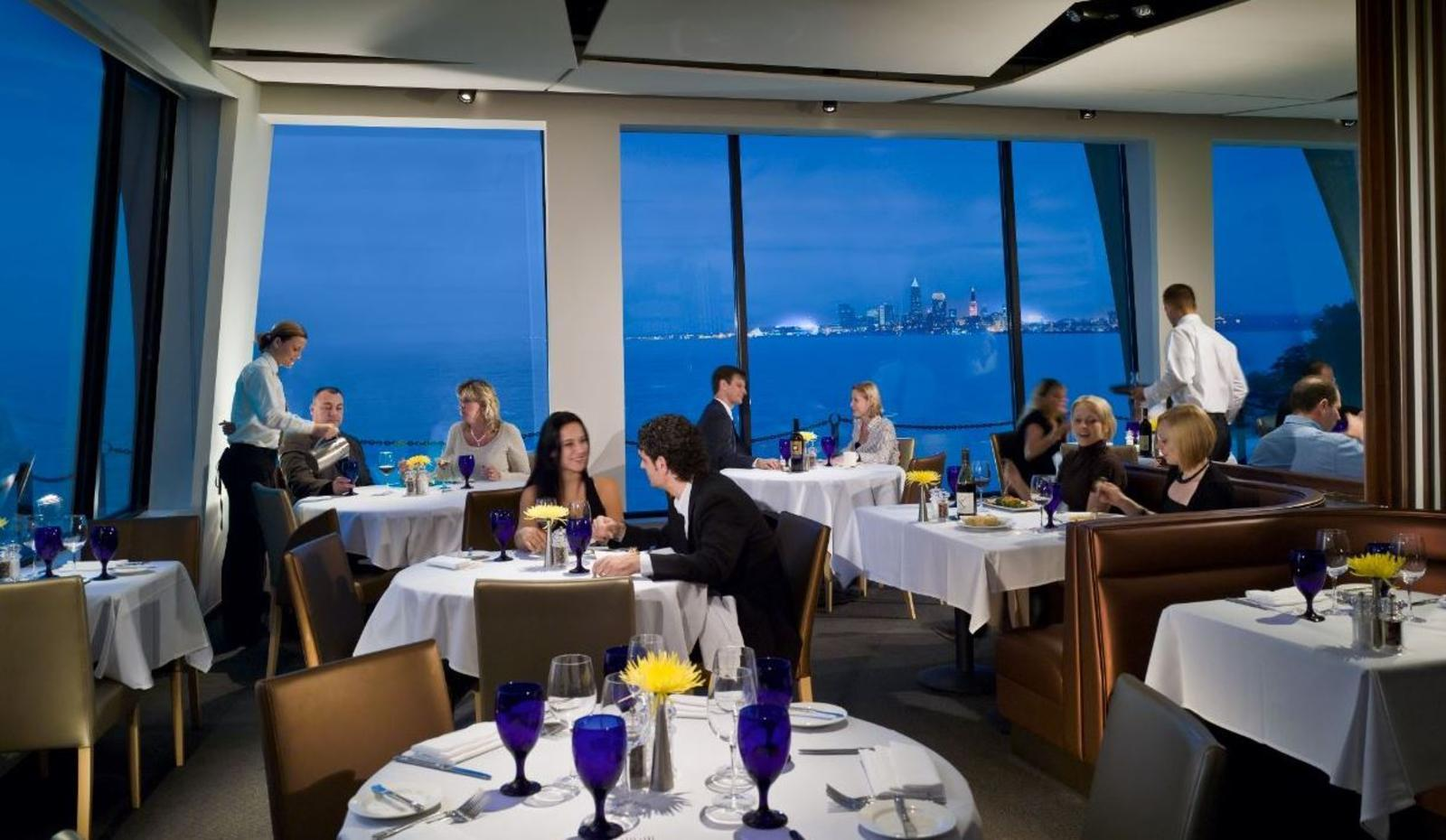 8 Amazing Waterfront Restaurants in Cleveland