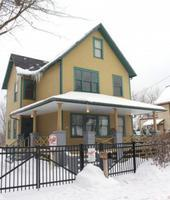 A Christmas Story House           Follow @nyccitiview