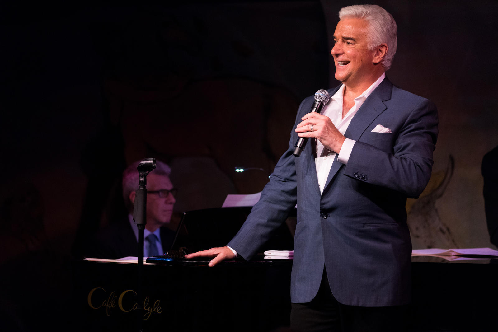 "John O'Hurley, ""A Man with Standards"" at Cafe Carlyle NYC"