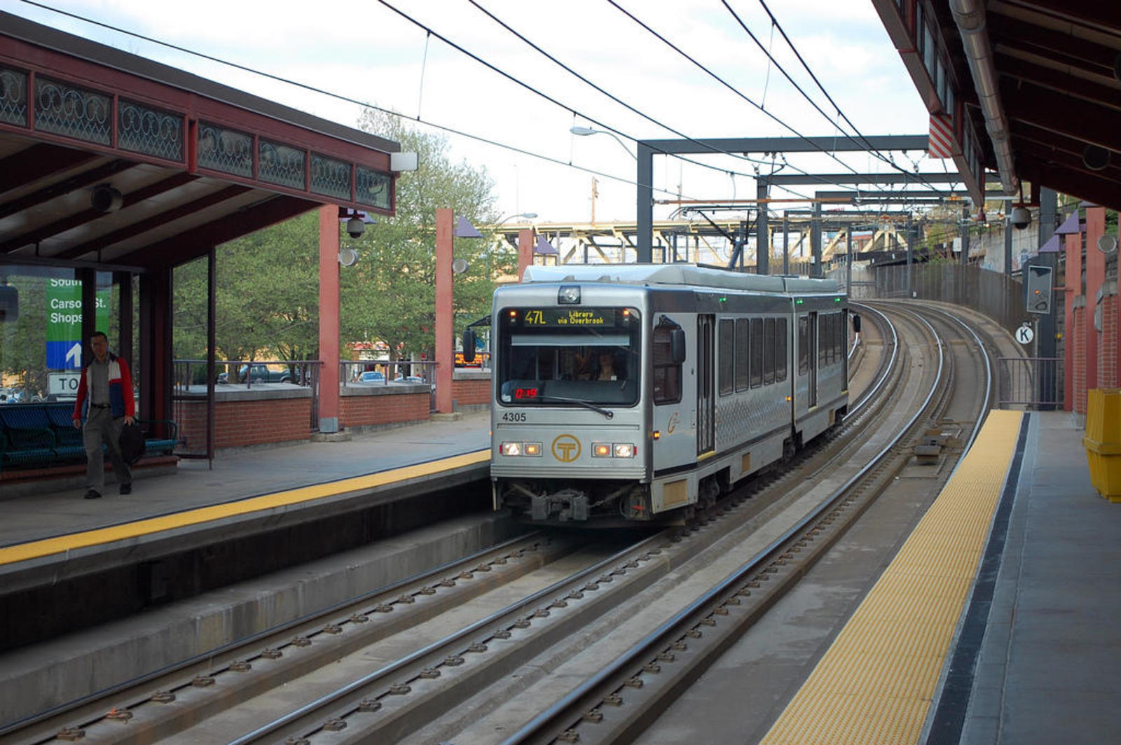 How to Get Around Pittsburgh: Transit 101 in the Steel City