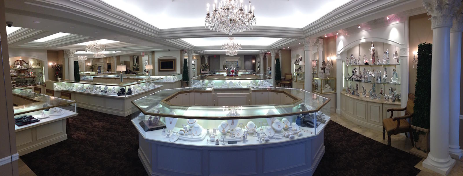 Louis Anthony Jewelers Showroom